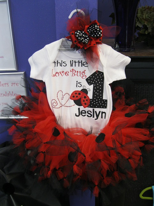 Lady bug tutu, onesie and bow