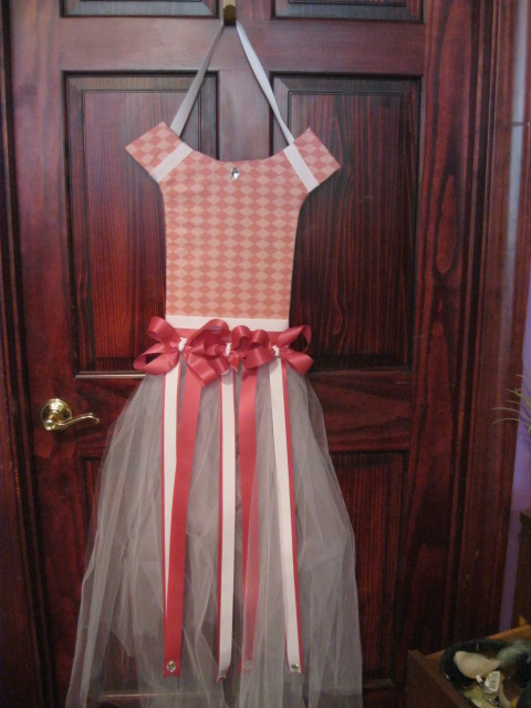 Dress Bow Holder